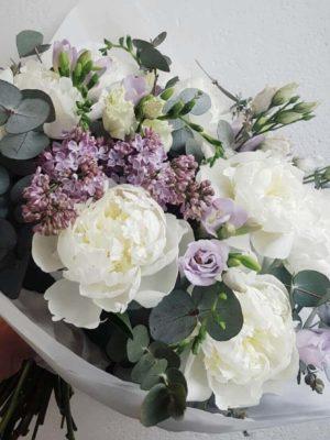 Hooajaline lillekimp by Studio Nelk