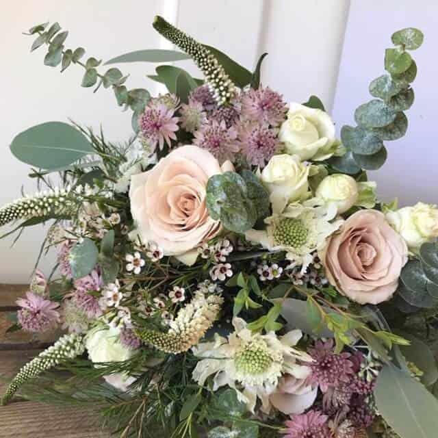 1c52069db81 Lillede saatmine kulleriga - Studio Nelk - Erilised lilled ...