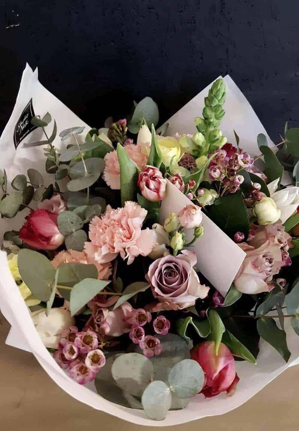 c72340aab80 Valentinipäeva lilled - Studio Nelk - lillede saatmine kulleriga