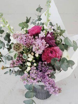 "Lillekimp ""Erilisele naisele"""