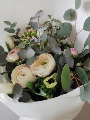 Naistepäeva kevadine lillekimp