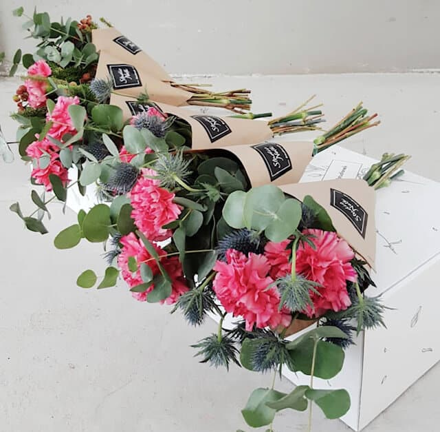 942e4aa1222 Naistepäeva lilletuutu - Studio Nelk - lillede saatmine kulleriga