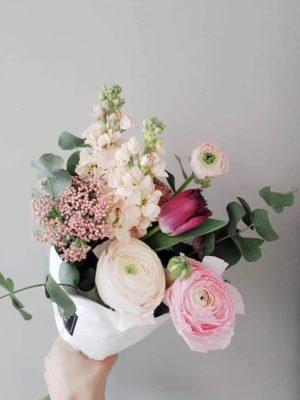 Lillekimp ja kingitus lapse sünni puhul