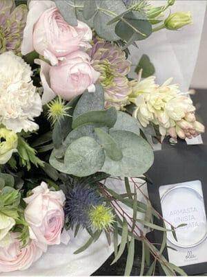 Lillekimp ja OLLA sõnumiga käevõru
