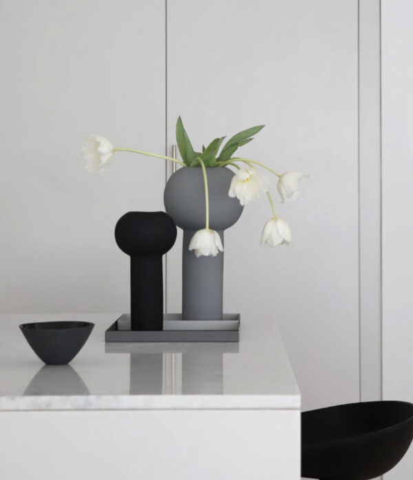 Pillar black vase